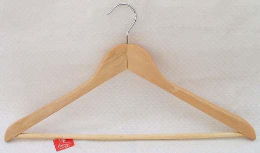 ВЕШАЛКА ДЛЯ ОДЕЖДЫ деревянная 44,5 см (арт. JL13001, код 036424)