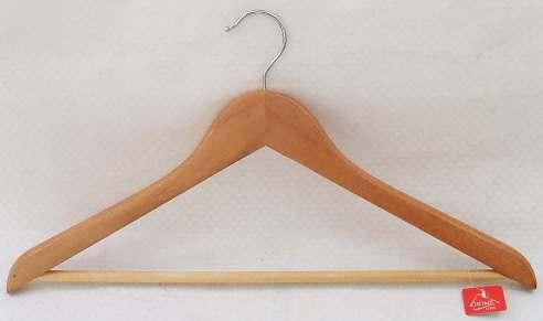 ВЕШАЛКА ДЛЯ ОДЕЖДЫ деревянная 44,5 см (арт. JL13004, код 036455)