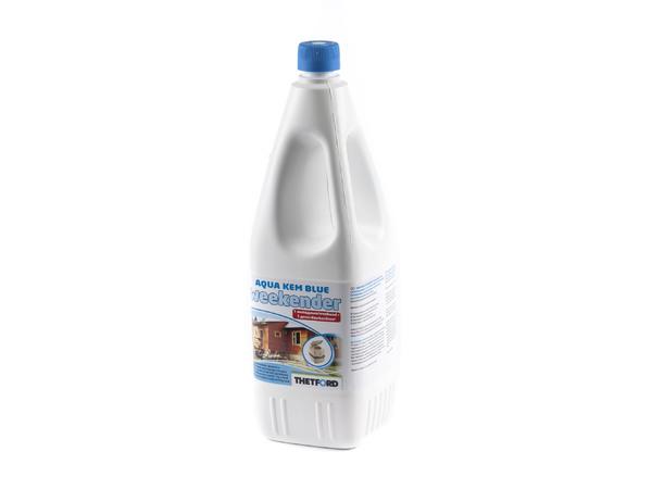 ЖИДКОСТЬ (смесь для биотуалета) для приемного бака Aqua Kem BlueWeekender 2 л (арт. 30283CB, код 993004)