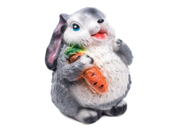 """СТАТУЭТКА гипсовая """"Зайка с морковкой"""" 25 см (арт. G014-25-301, код 038095)"""